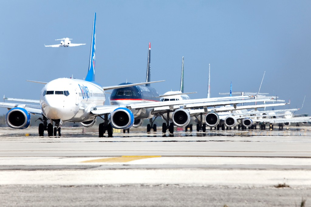 Airplanes lineup